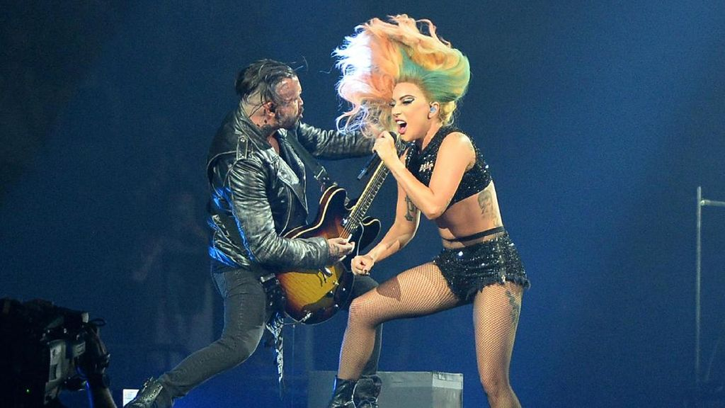 Lady Gaga Kirimkan Demo untuk Lagu Tema Piala Dunia 2018