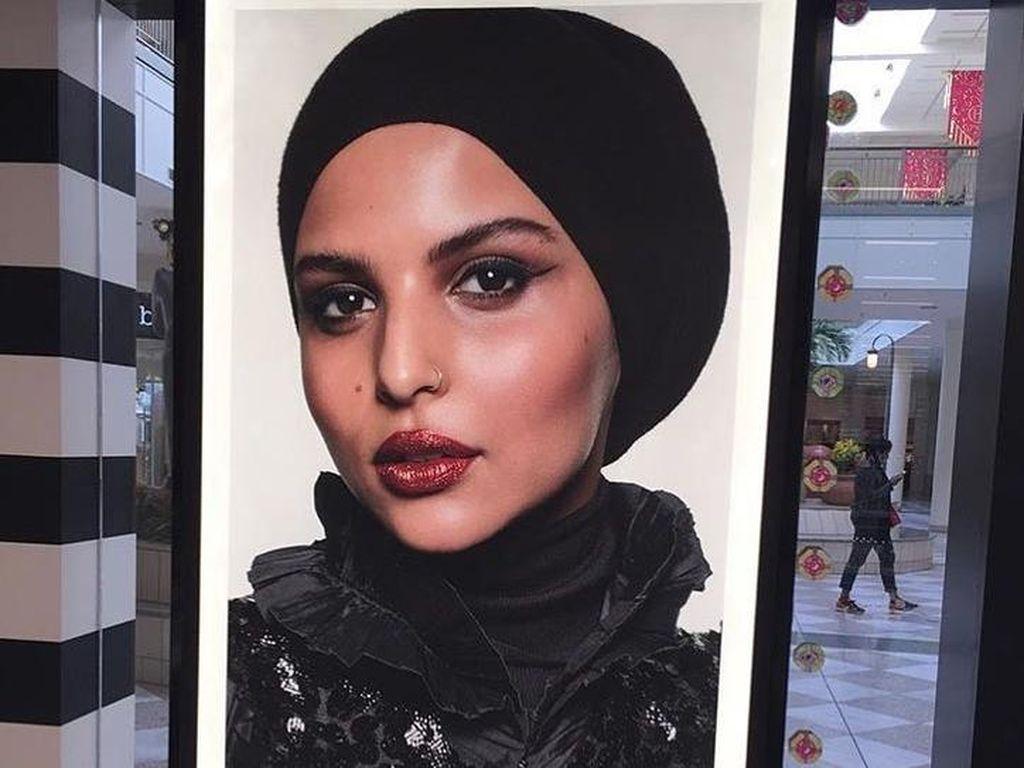 Meski Bukan Artis, Sephora Pilih Karyawan Berhijab Ini Jadi Modelnya