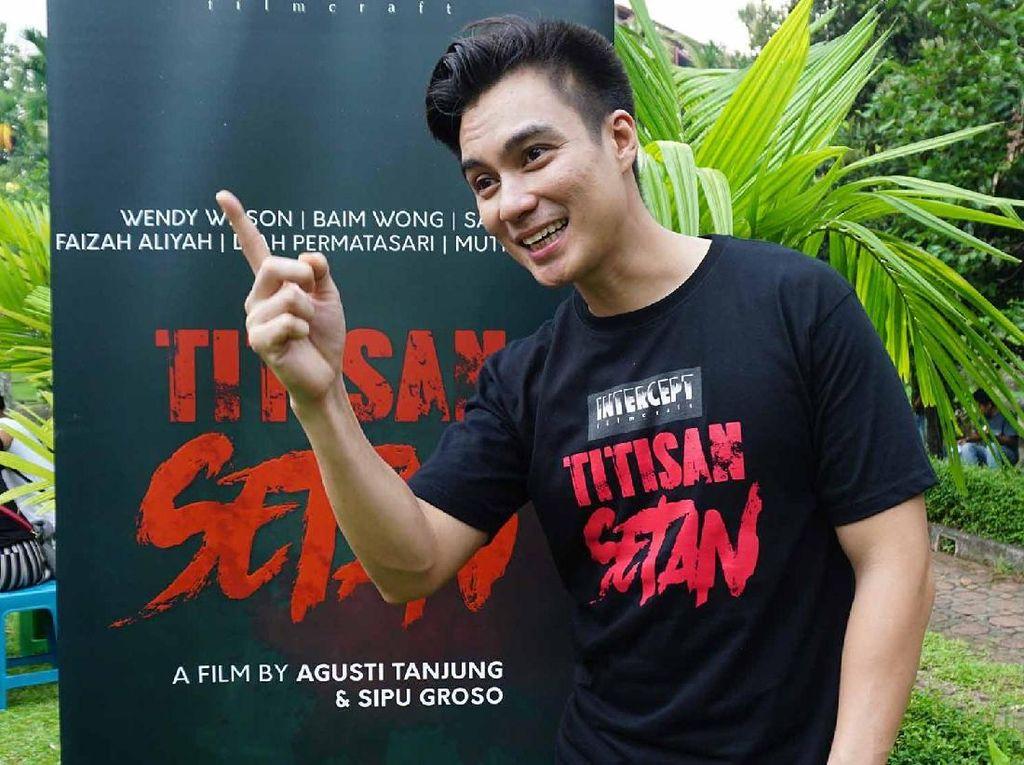 Foto Bareng Feni Rose, Gracia Indri dan Ely Sugigi, Salma Diingatkan Baim Wong