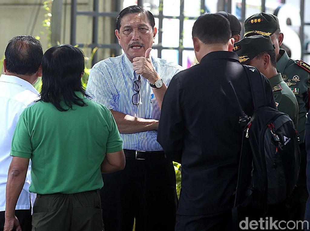 Luhut Bicara Alasannya Turun Tangan di Pernikahan Putri Jokowi