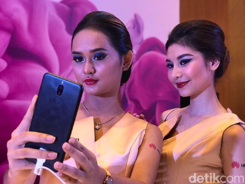 Huawei Nova 2i, Menggoda Lewat Empat Kamera