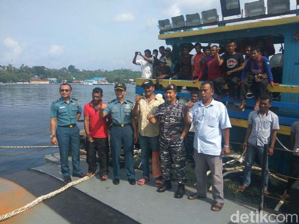 KRI Imam Bonjol Bawa Pulang Dokumen Nelayan Aceh yang Ditangkap India