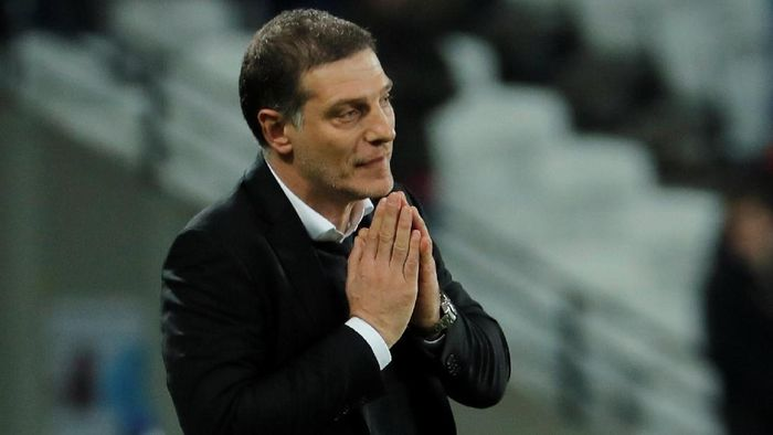 Soccer Football - Premier League - West Ham United vs Liverpool - London Stadium, London, Britain - November 4, 2017   West Ham United manager Slaven Bilic looks dejected after the match        REUTERS/Eddie Keogh  EDITORIAL USE ONLY. No use with unauthorized audio, video, data, fixture lists, club/league logos or
