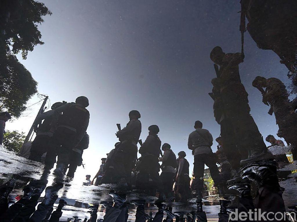 Rusuh di Jayapura: 1 Prajurit TNI Gugur, 6 Anggota Brimob Terluka