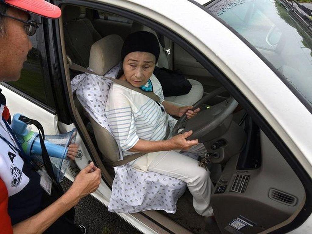 SIM Dicabut, Sampai Mati Orang Jepang Tak Bisa Punya SIM Lagi