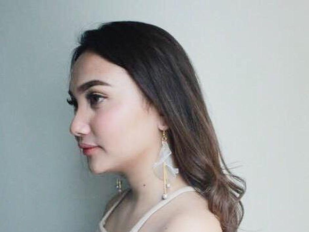 Rekomendasi 5 Flower Drop Earrings yang Cantik untuk Tampil Feminin