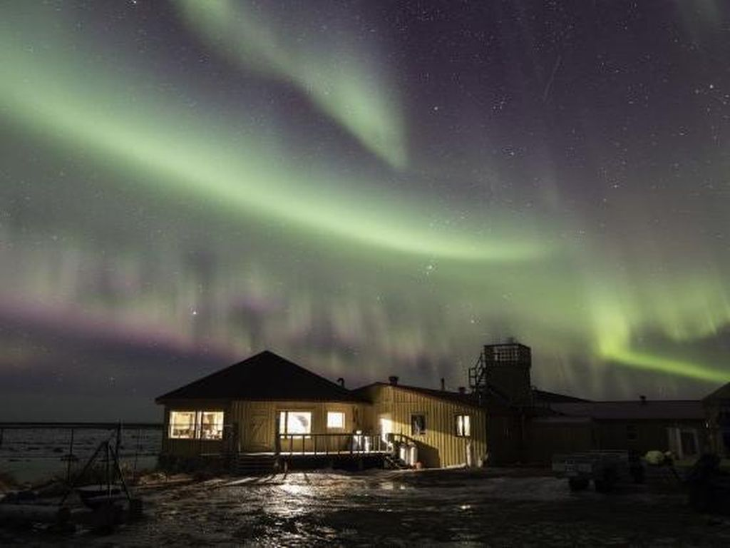 Speechless! 7 Hotel Berpemandangan Aurora Cantik