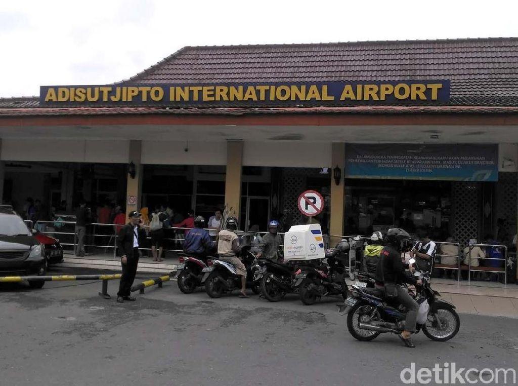 Sempat Ditutup, Bandara Adisutjipto Kembali Beroperasi Normal