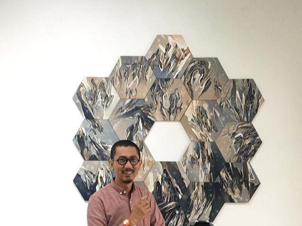 Radhinal Indra Bicara Perspektif Kosmik pada Publik Lewat Seni
