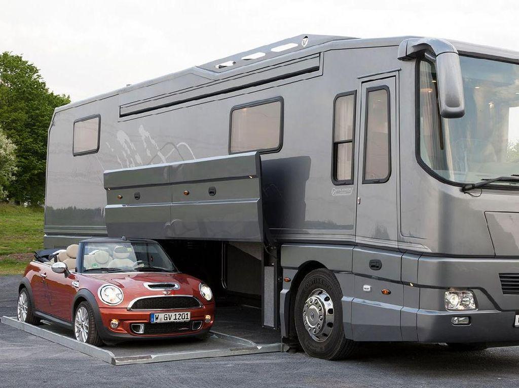 Mau Traveling dengan Caravan Mewah Ini?