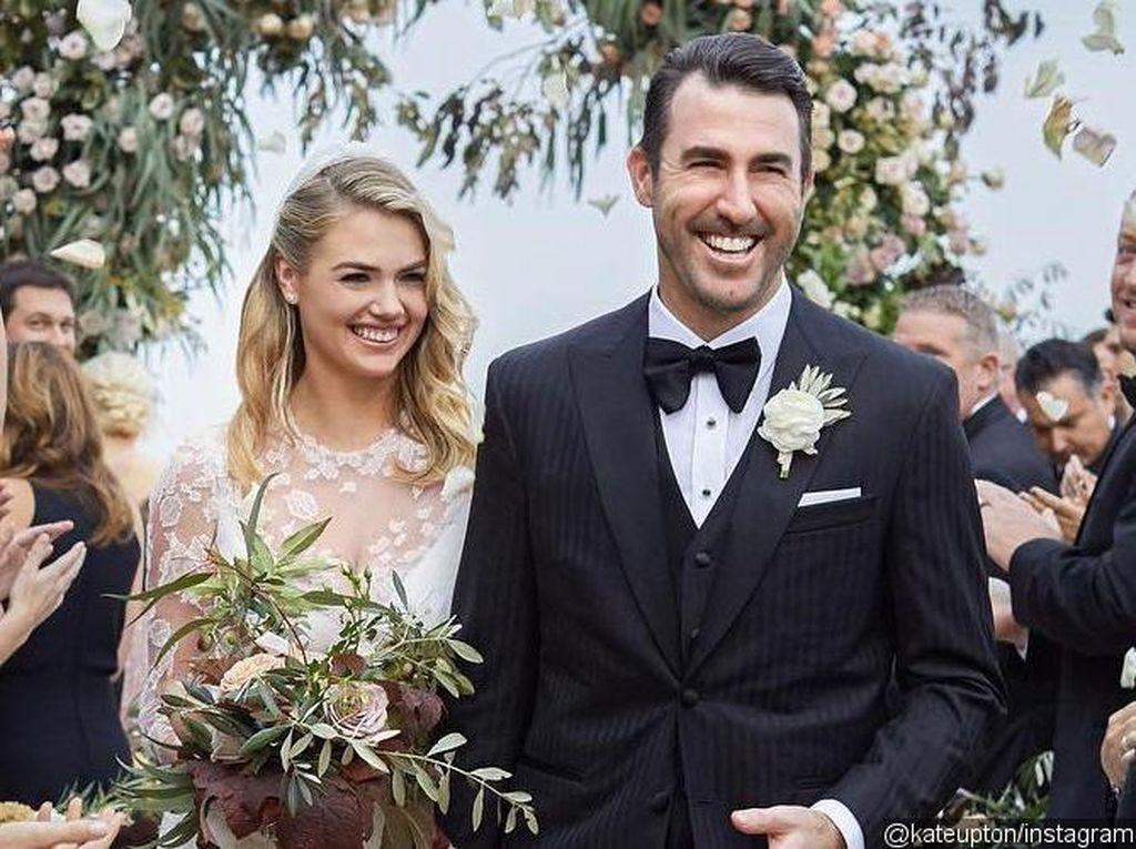 Kate Upton Pamer Foto Pernikahan
