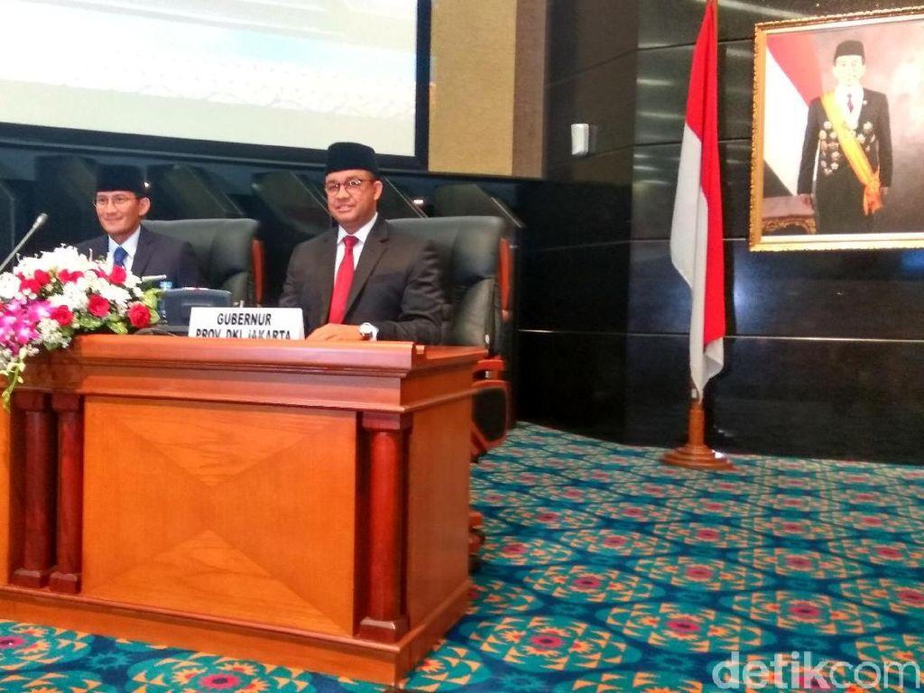 Cerita Sandi tentang Pemilihan Dasi untuk Hadiri Paripurna DPRD