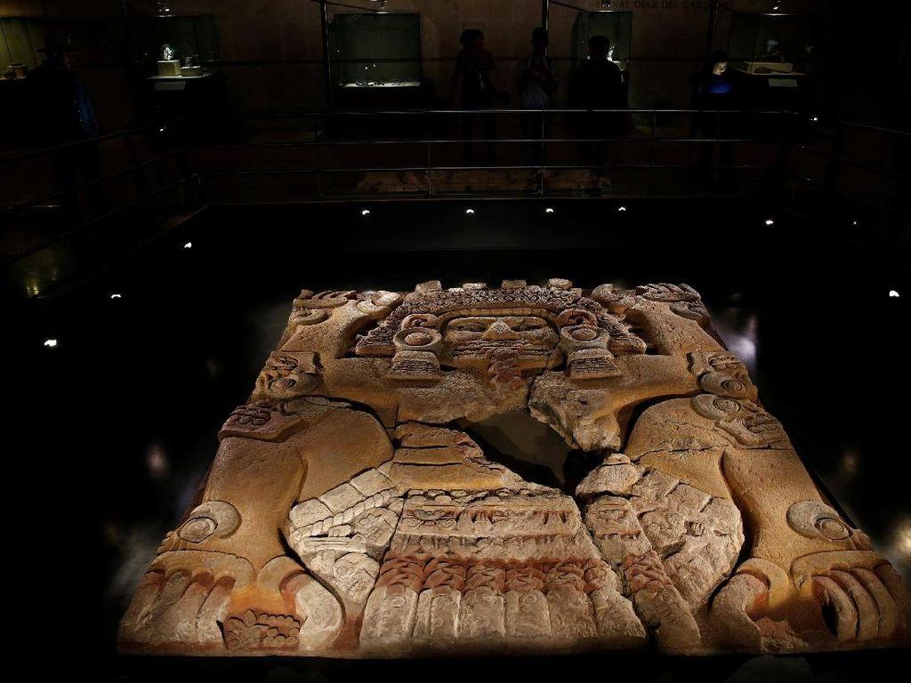 Melihat Secara Langsung Peninggalan Suku Aztec