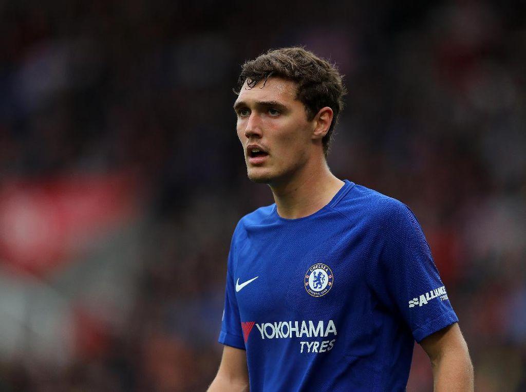 Tak Dipercaya Sarri, Andreas Christensen Belum Mau Tinggalkan Chelsea