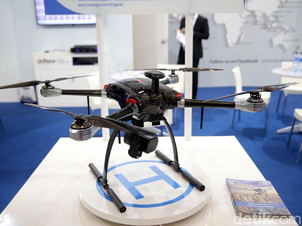 Cegah Budaya Lembur, Perusahaan Jepang Gunakan Drone untuk Usir Pegawai