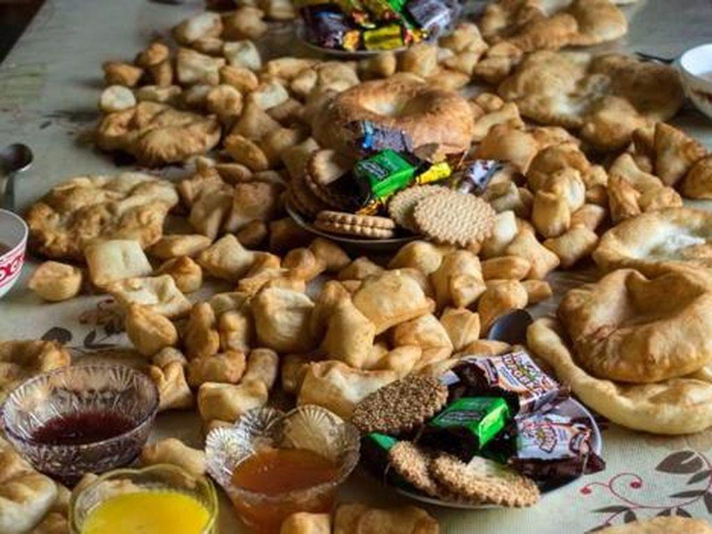 Tradisi Memberi Makan Orang Mati di Kyrgyztan