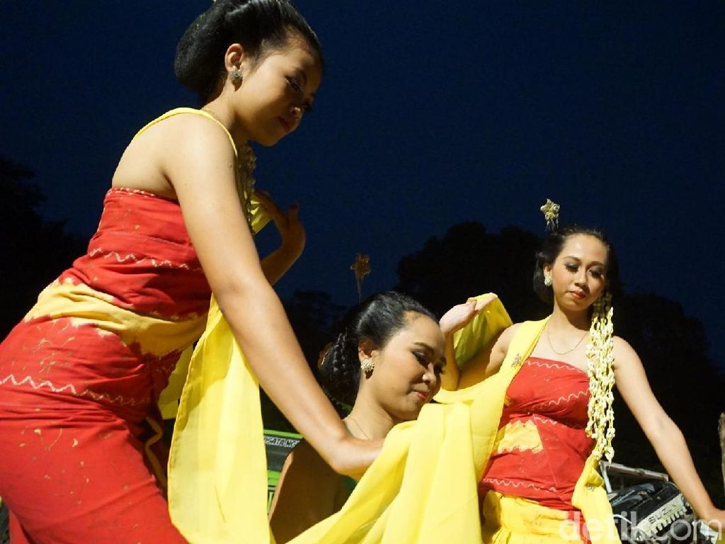 Foto: Tarian Kesurupan Mistis dari Kulonprogo