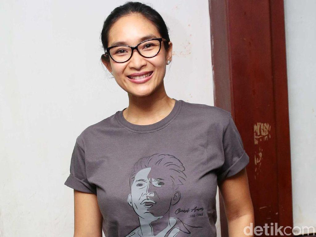 Usai Lahiran, Happy Salma Garap Film Pendek Sekar