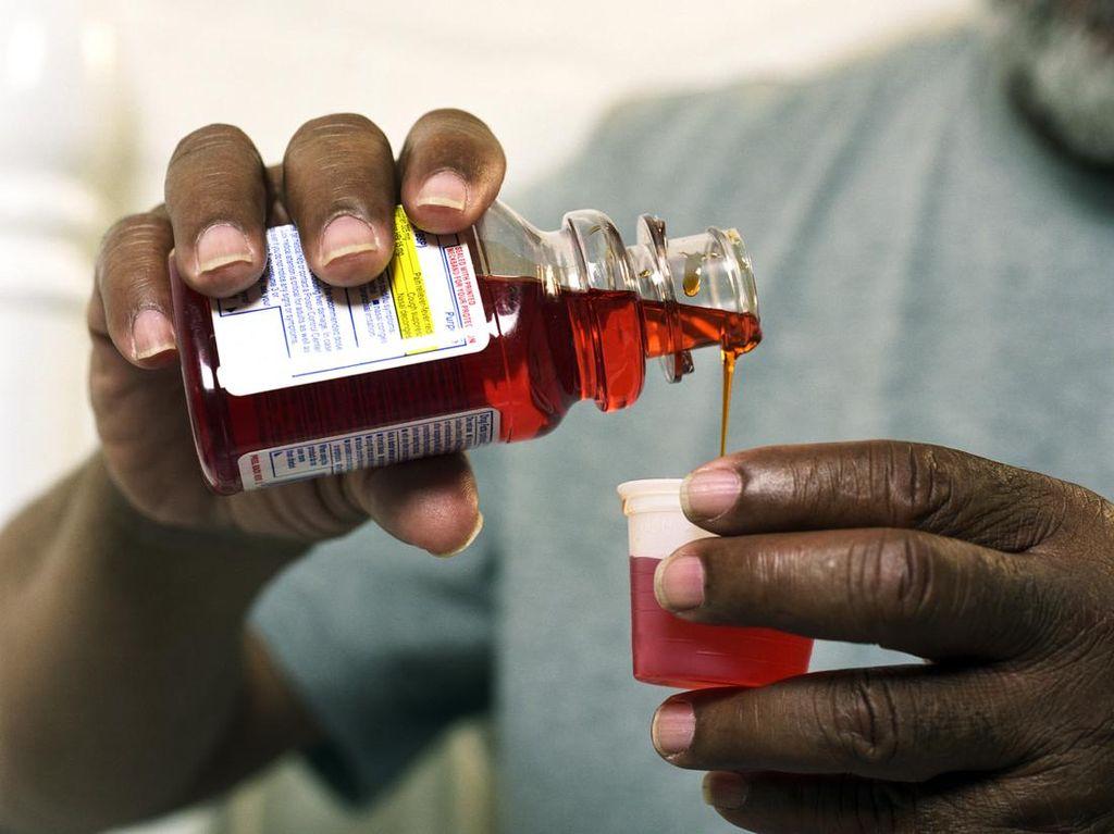 Setelah Dibuka, Berapa Lama Obat Sirup Harus Disimpan?