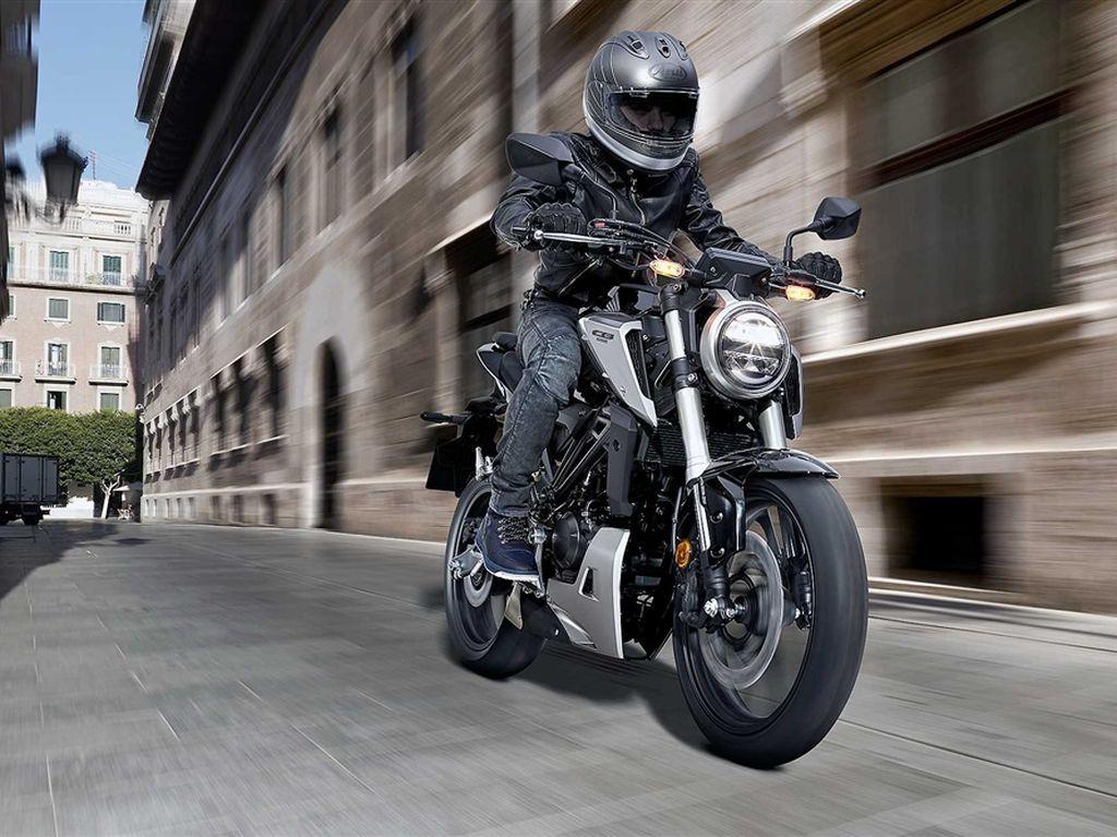 Honda CB125R dan CB300R, Mau?