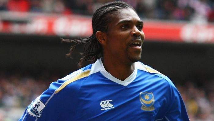LONDON - APRIL 05:  Nwankwo Kanu of Portsmouth celebrates his teams 1st goal during the FA Cup sponsored by E.ON Semi-Final match between West Bromwich Albion and Portsmouth at Wembley Stadium on April 5, 2008 in London, England.  (Photo by Laurence Griffiths/Getty Images)