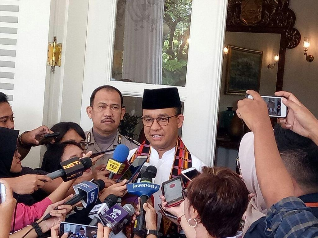 Anies Tunjuk Asbang DKI Pimpin Task Force Kepulauan Seribu