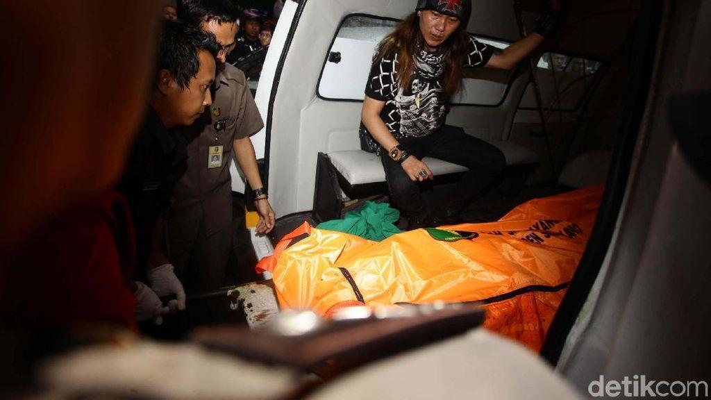 Jasad dr Letty Dibawa ke RS Polri