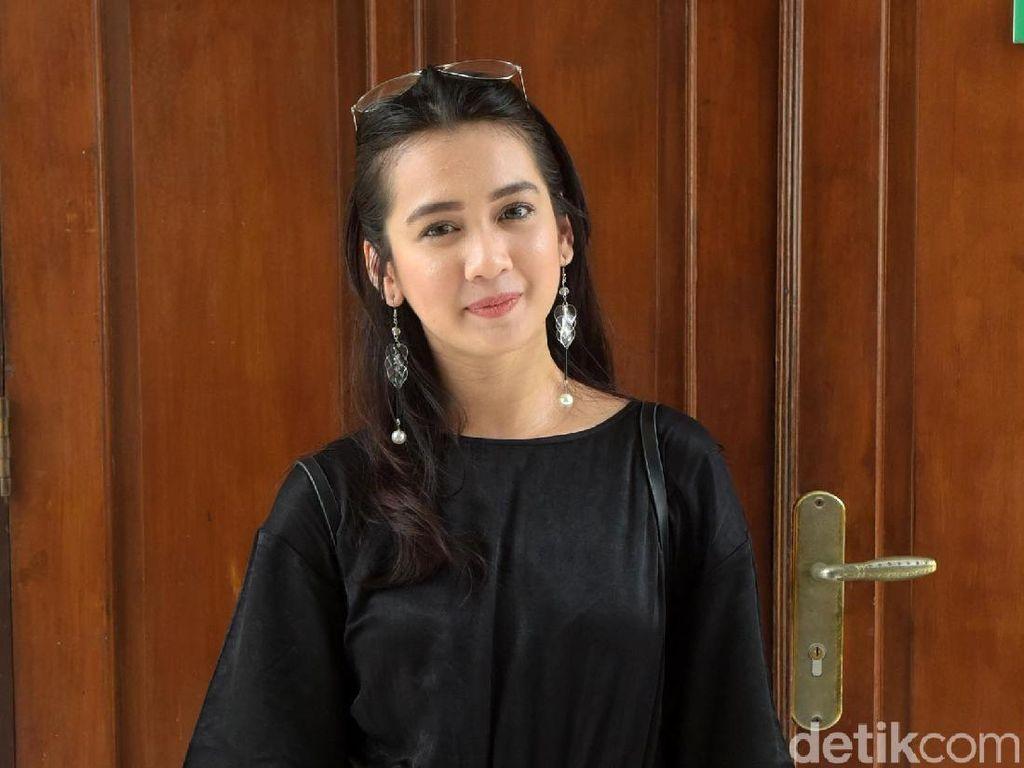 Kamera Hilang, Dhea Annisa Siap Bersaksi di Persidangan Hari Ini