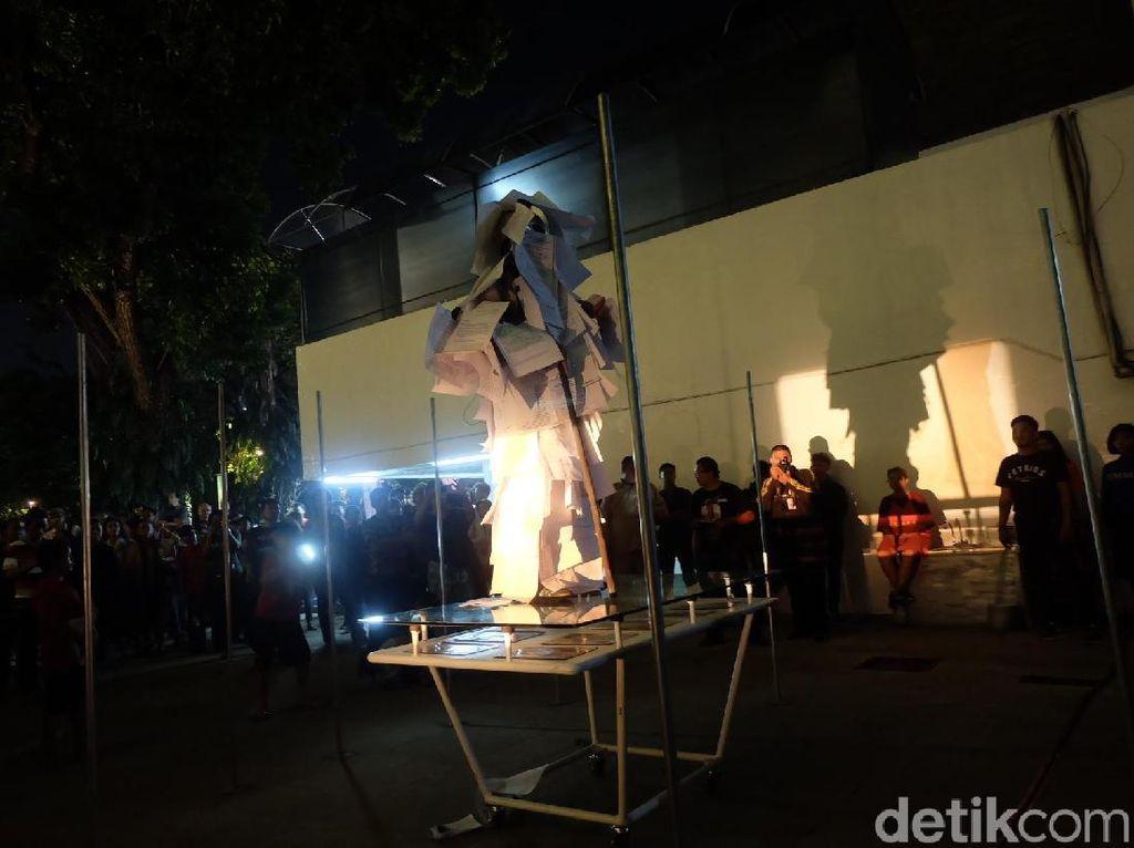 Pertunjukan Momen Metode Buka Festival Teater Jakarta 2017