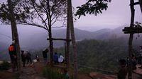 Pemandangan dari Bukit Ngisis di Desa Nglinggo (Shinta/detikTravel)
