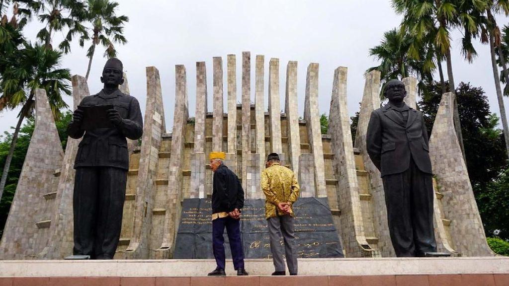 Ketika Veteran Yogyakarta Kunjungi Tugu Proklamasi