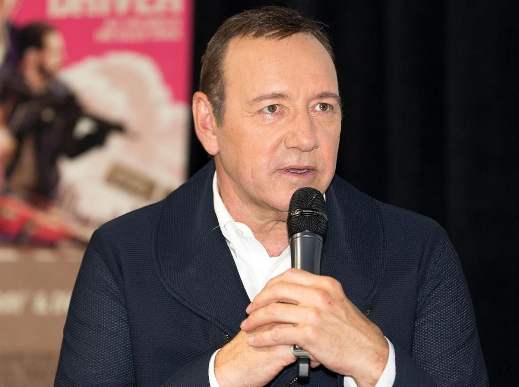Peran Kevin Spacey Diganti, All The Money in The World Syuting Ulang