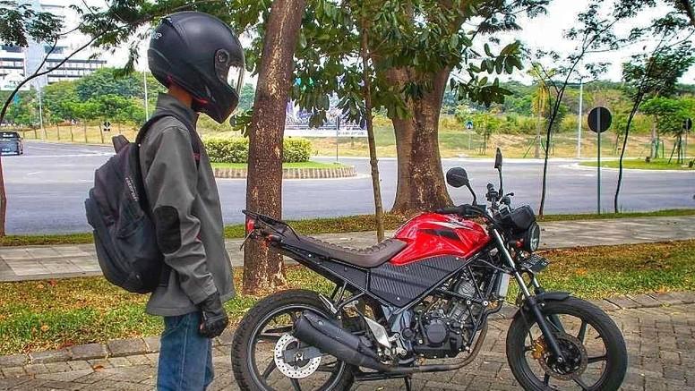 Custom Honda CB150R ala Tracker