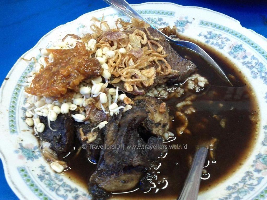 Foto: Rawon dan 6 Hidangan Khas Surabaya yang Sayang untuk Dilewatkan
