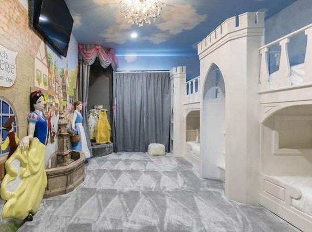 Foto: Penginapan Imut Bertema Disney, Mau Banget Tidur di Sini!