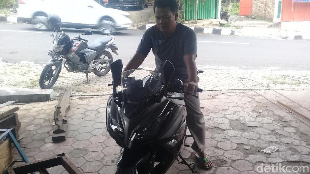 Foto: Wow! Eko Beli Motor Ninja Pakai Uang Receh