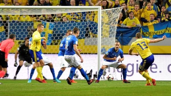 Saran Pirlo ke Italia: Gunakan Formasi 4-3-3 di Leg II