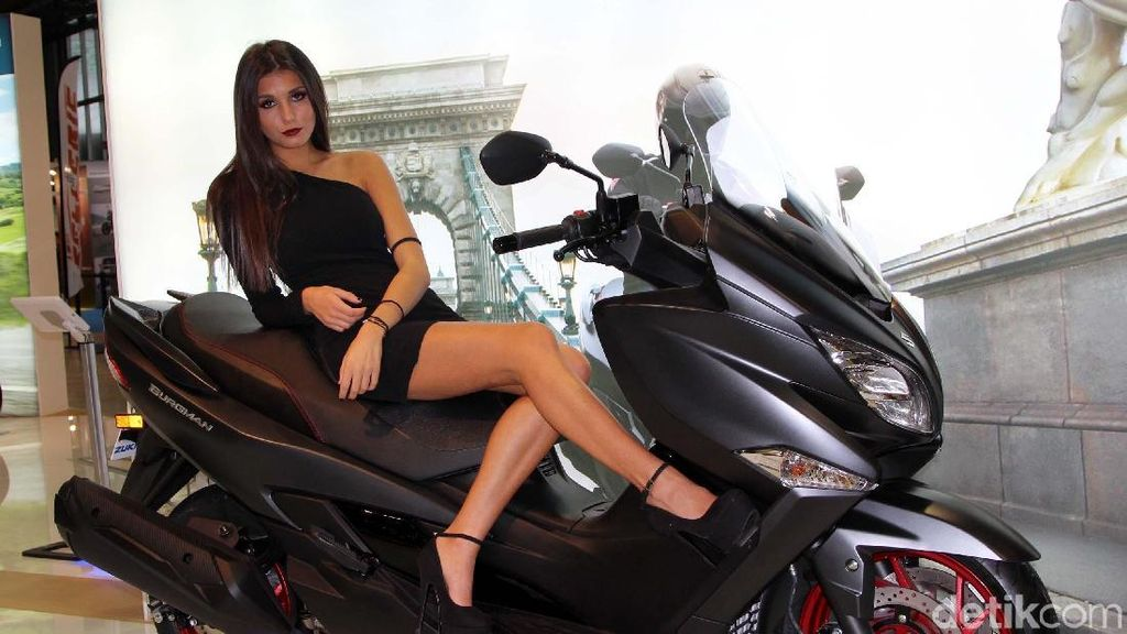 Yang Seksi di Pameran Motor Milan