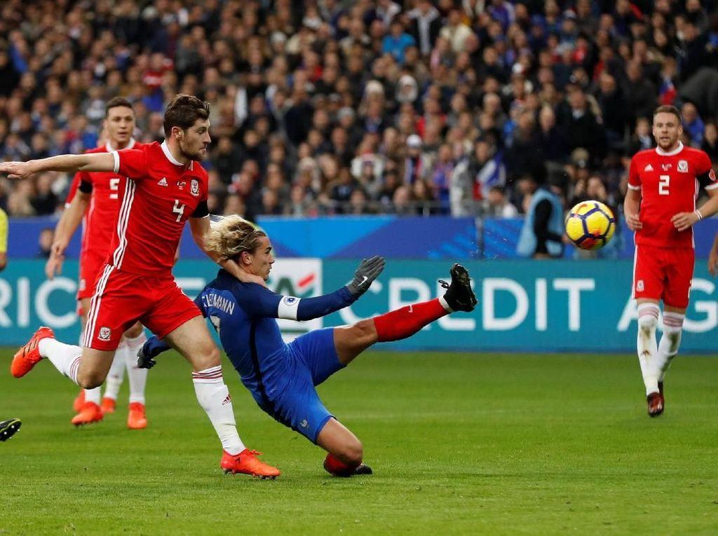 Prancis Tekuk Wales 2-0