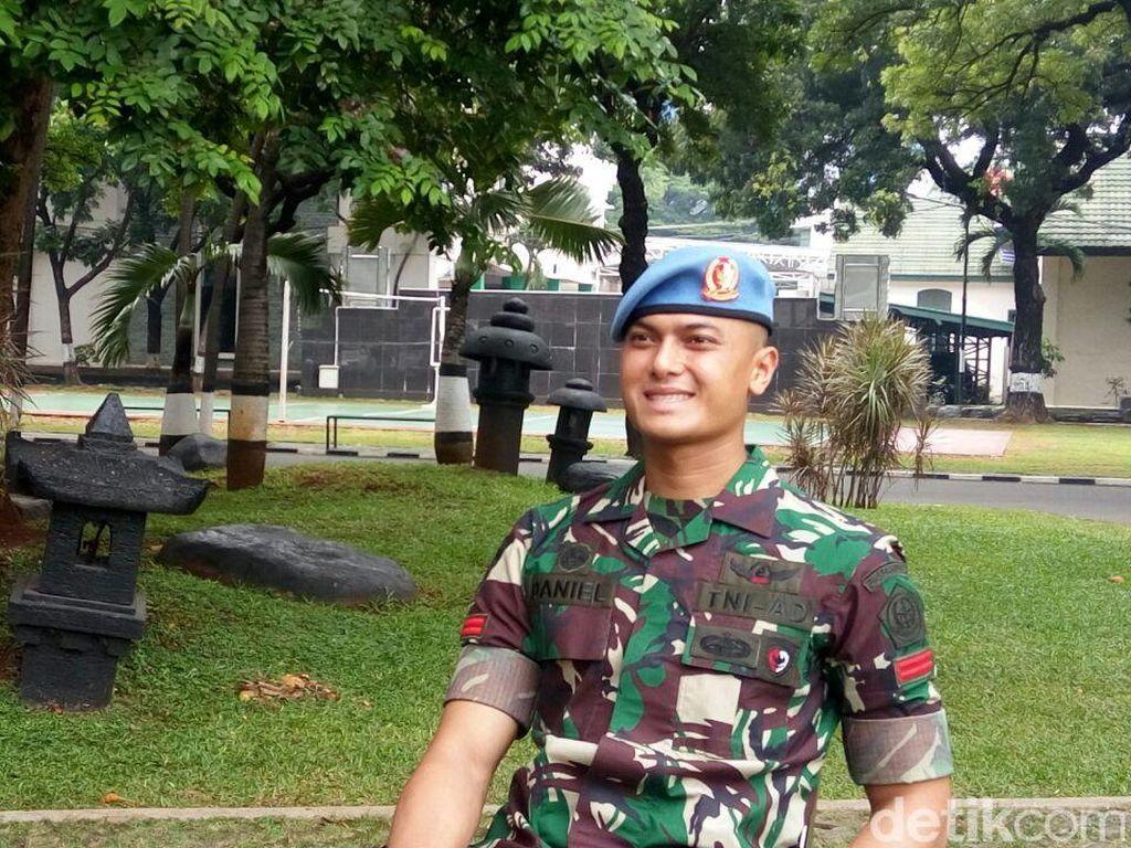 Berseragam TNI, Paspampres Ganteng Juga Bikin Gagal Fokus
