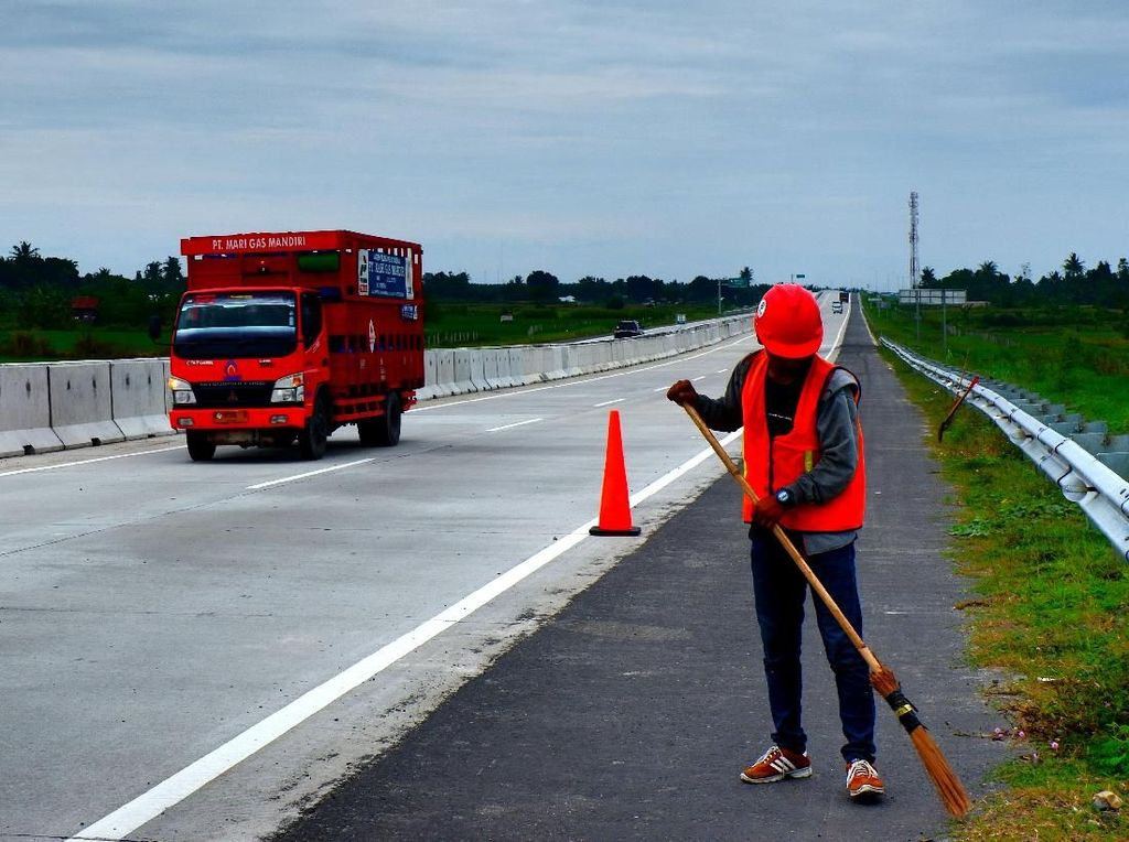 Diresmikan Jokowi, Begini Penampakan Tol Medan-Binjai