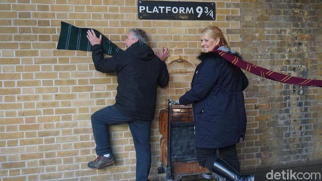 Foto: Peron 9 3/4 Harry Potter Sungguhan Ada di London