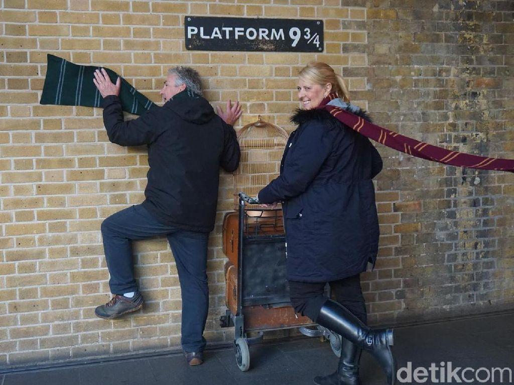 Wingardium Leviosa! Ini Tempat Bagi Pecinta Harry Potter di London
