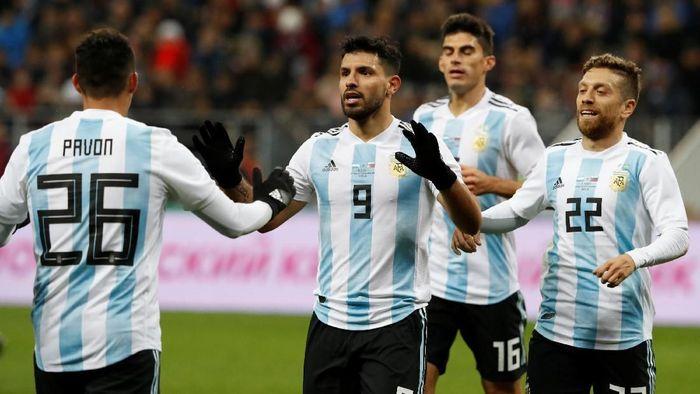 Sergio Aguero diprediksi tak akan 100 persen fit di Piala Dunia 2018 (Foto: Sergei Karpukhin/Reuters)