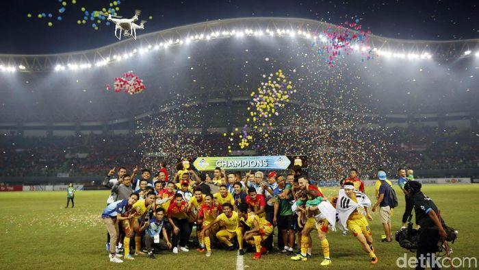Penyerahan gelar juara Liga 1.(Foto: Rachman Haryanto/detikcom)