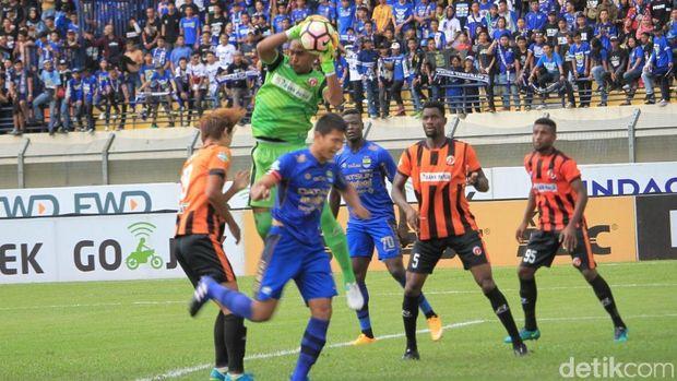 Perseru Serui menang 2-0 atas Persib Bandung di Stadion si Jalak Harupat, Minggu (12/11/2017).