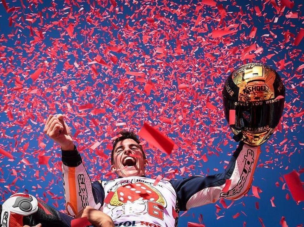Helm Emas Big 6 Marc Marquez