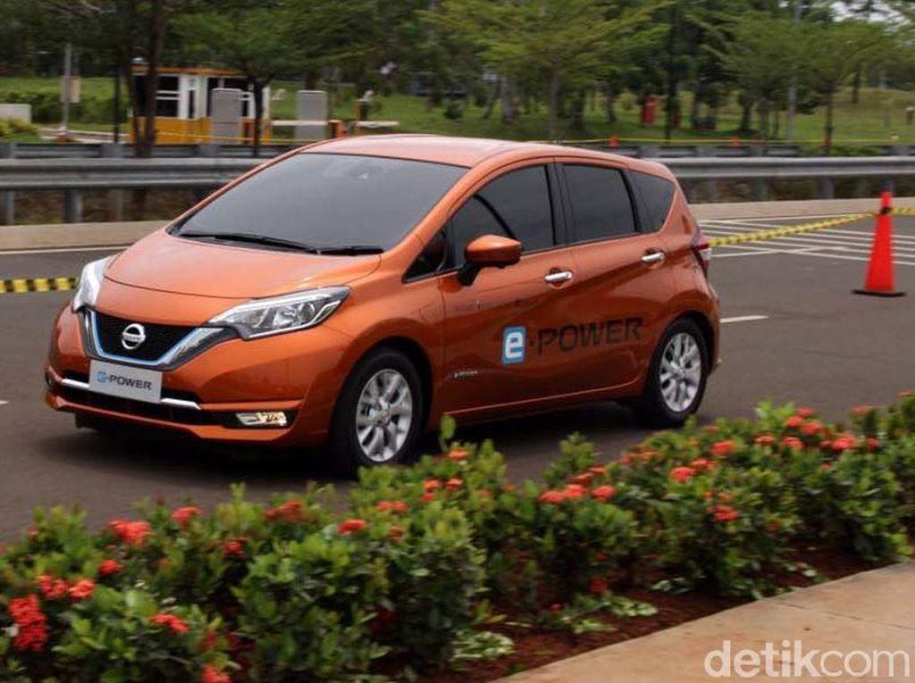 Begini Cara Nissan Memasyarakatkan Mobil Listrik