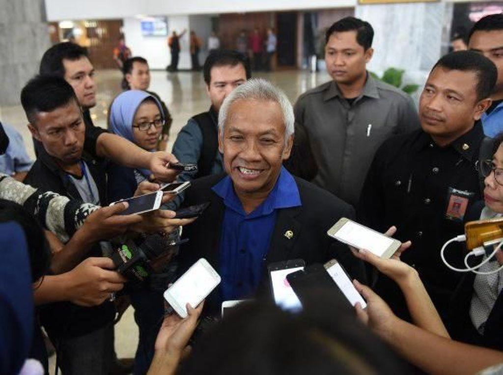 Ketua DPR Diisi Plt, Pimpinan: Tak Ada Wacana Kocok Ulang