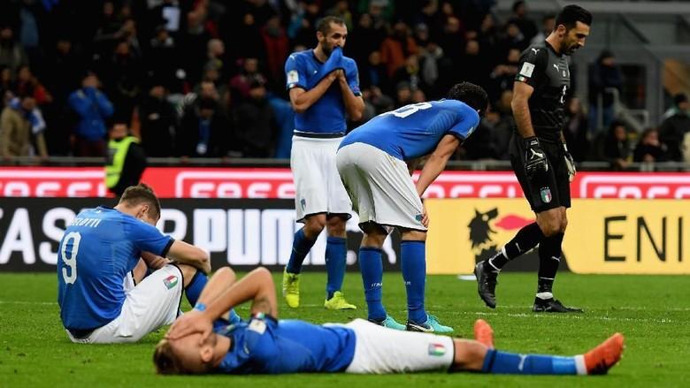 Sedih Italia Tak Lolos, Maradona: Mereka Main Sesuai Keinginan Swedia